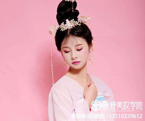深圳比较知名的半永久纹绣学校学多久